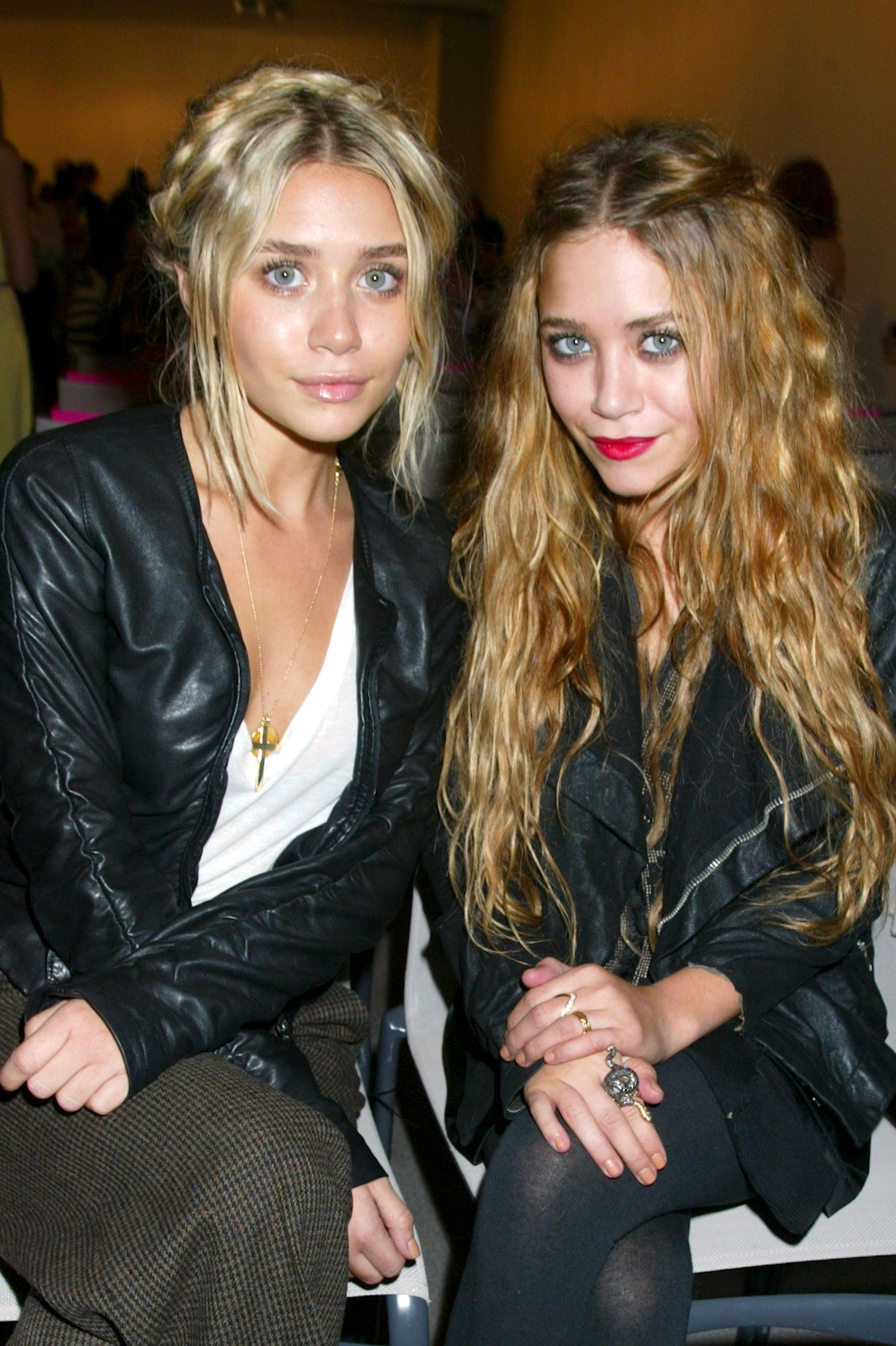 Mary Kate And Ashley Olsens Best Twinning Beauty Looks Through The Years 2006