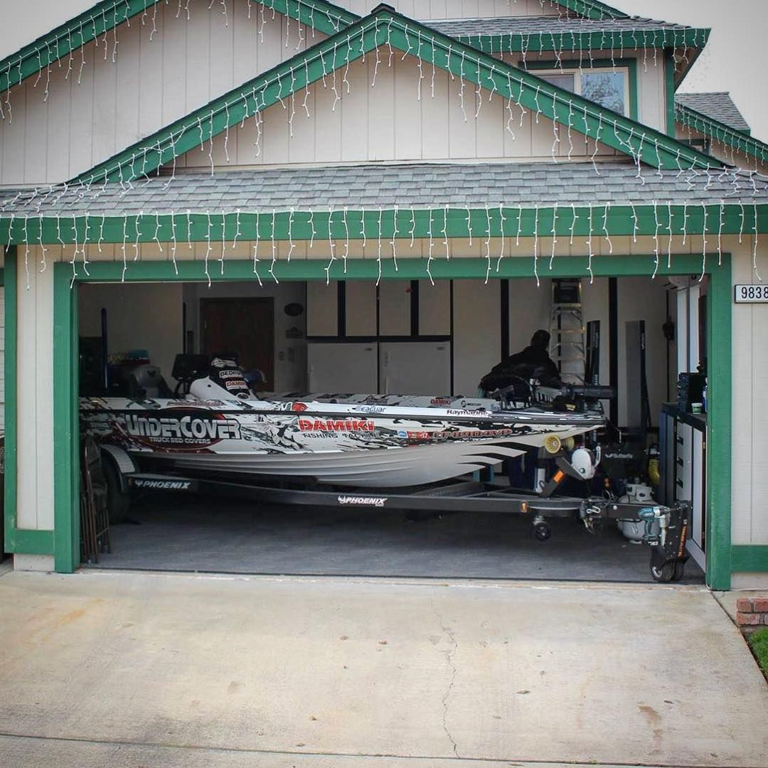 Check out the trailer valet xl doing work the xl moved for Boat garages