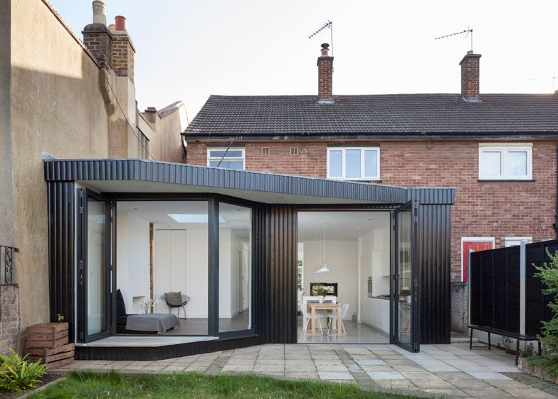 Scenario architecture extension features a walkway for for Terrace extension ideas