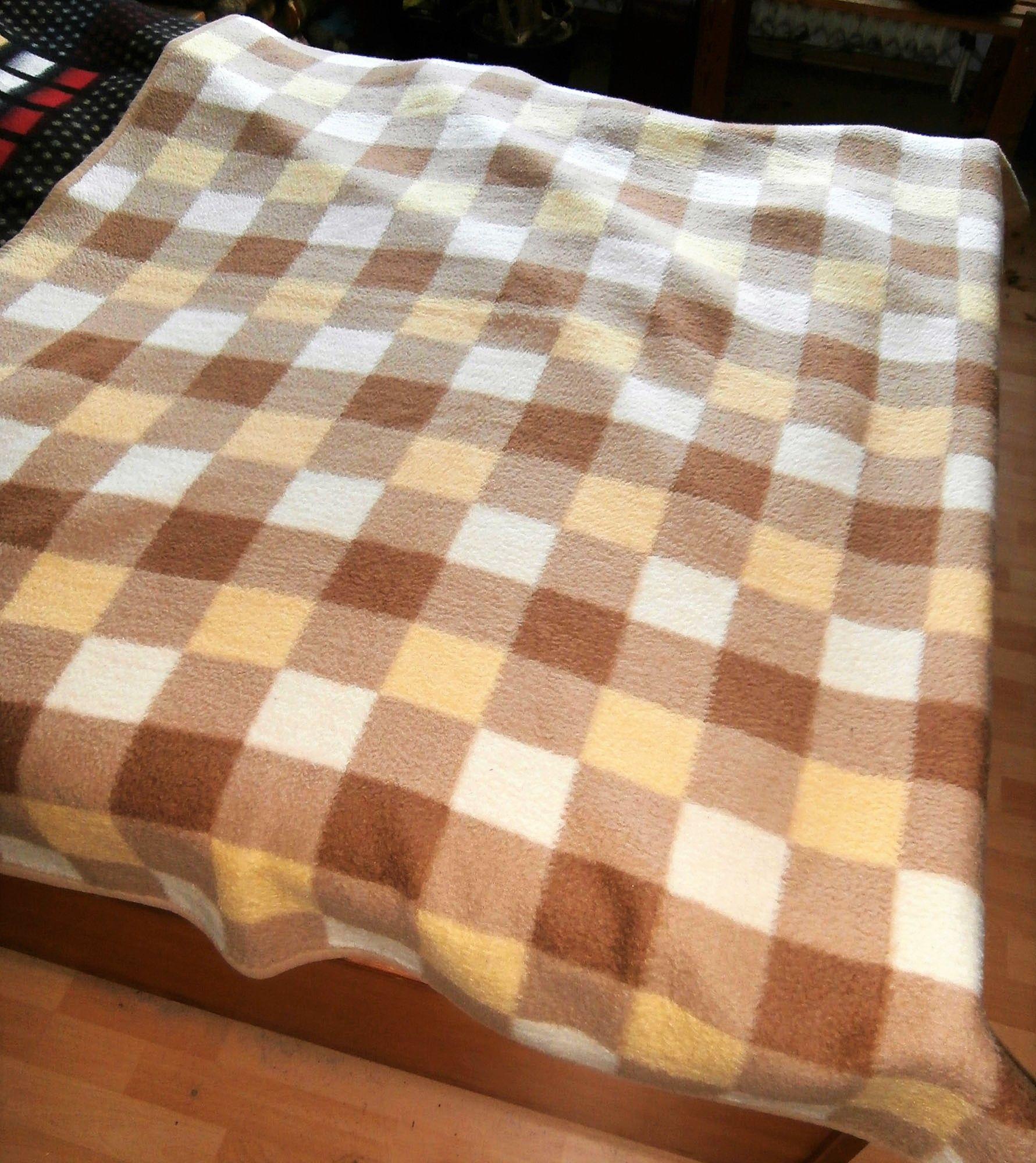 Vintage Woolblanket Retroblankets Blanketmuseum 50s 60s Oudedekens Vintageblanket Vintagedeken Retrodeken Wollendeken B In 2020 Wolldecke Flauschig Decke