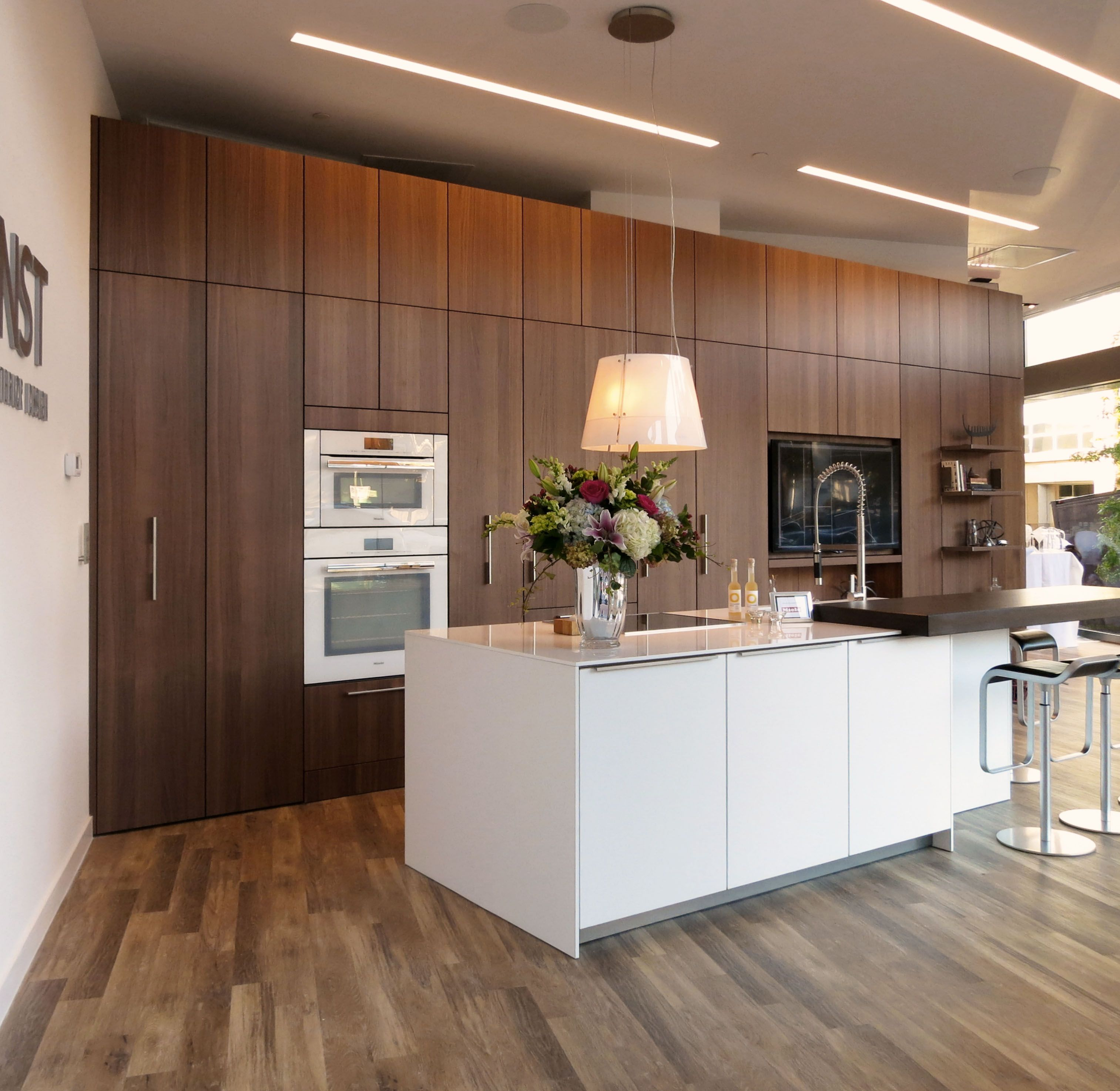 Wood Wall / White Celing with LED strips | Walnut kitchen ...