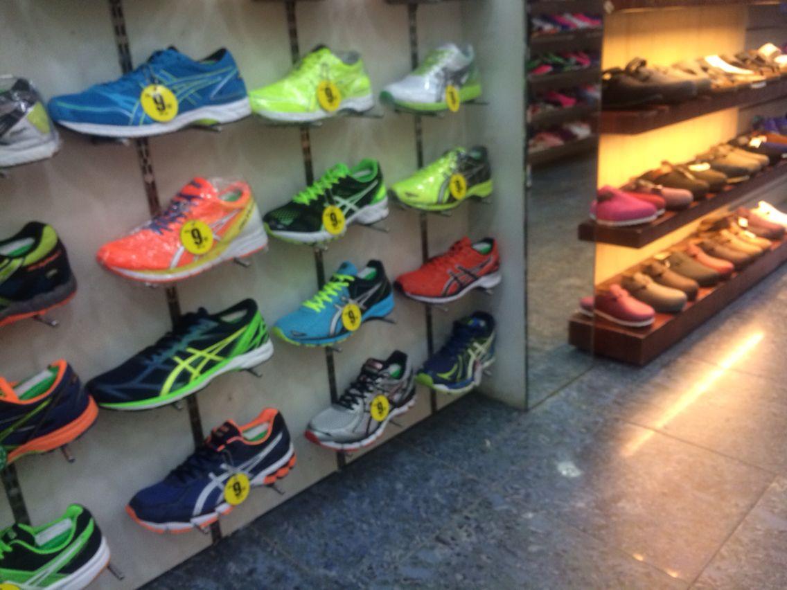 Sneakers Rubber shoes #hongkong #missinghongkong
