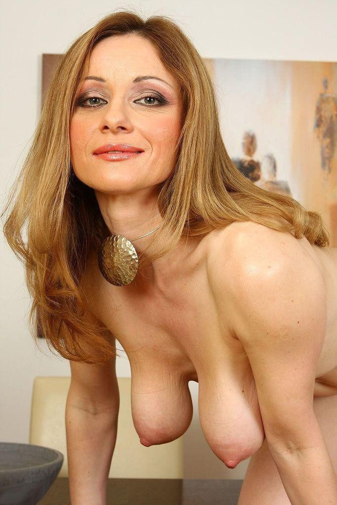 Perfect busty milf who loves anal mompov