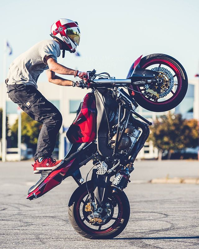Want To Try This Sometime Lol Stunt Bike Funny Motorcycle