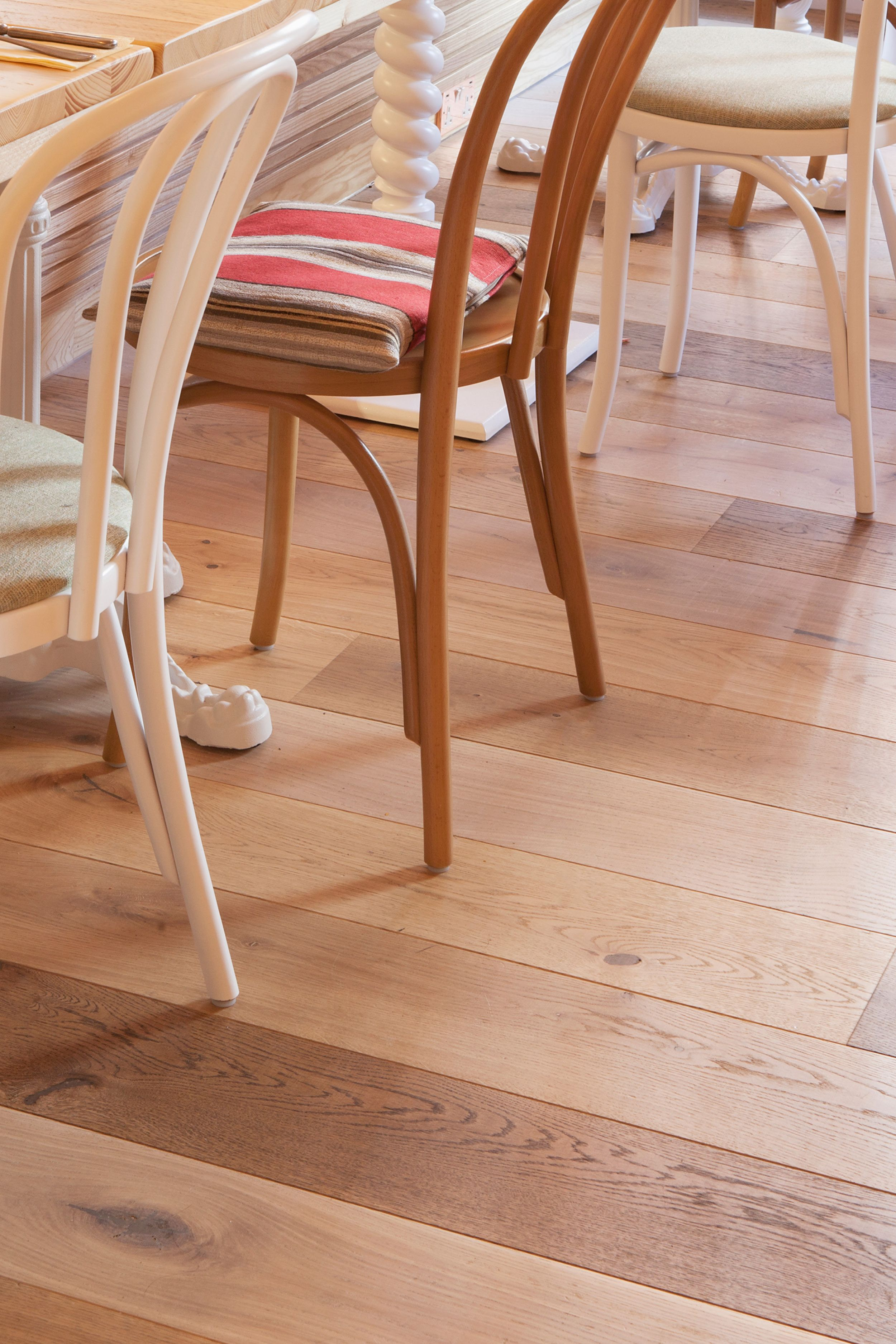 Inspired By The Carefree And Nonchalant Californian Way Of Life The Team At Designlsm Decided On F How To Distress Wood Floor Finishes Design Crafts