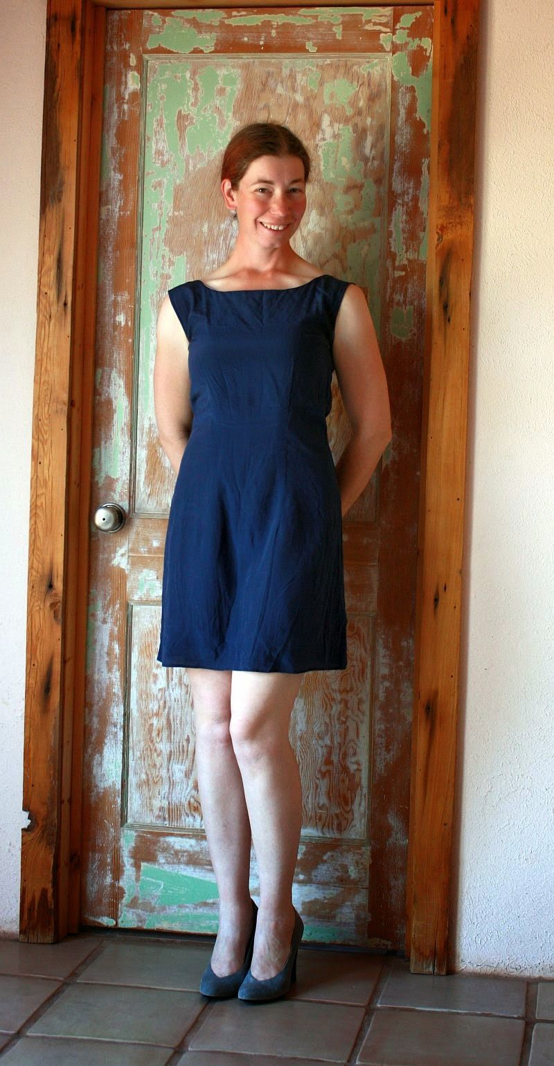 Colette licorice dress without collar or sleeves. Omitting them ...