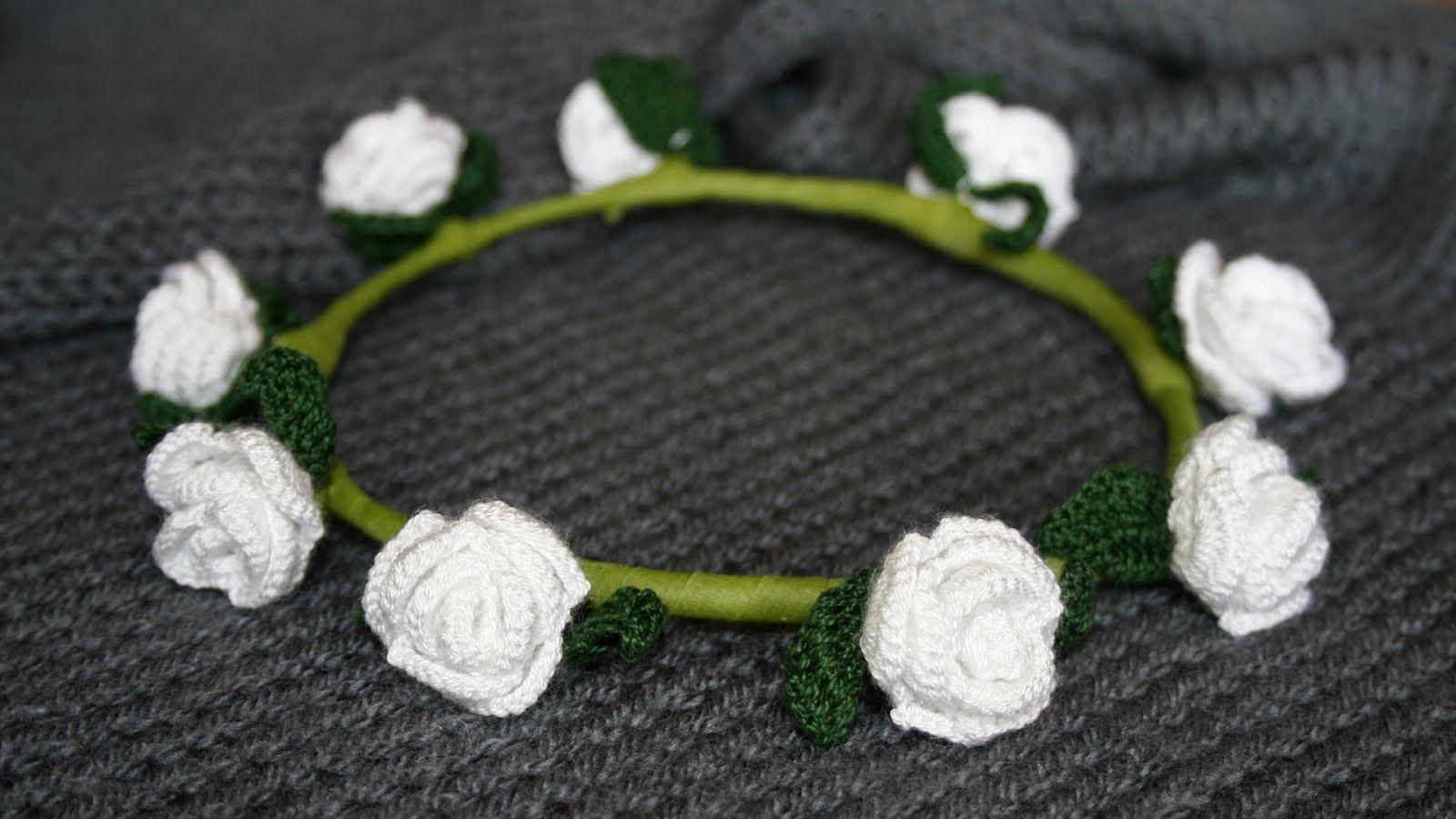 crochet wreath roses | wreath first holy communion | Pinterest