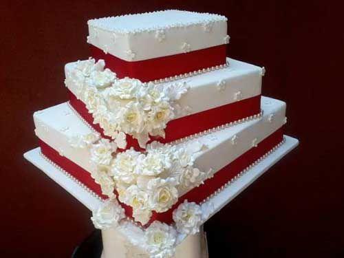 Bolo De Casamento Com Chantilly Quadrado E Redondo Bolo De