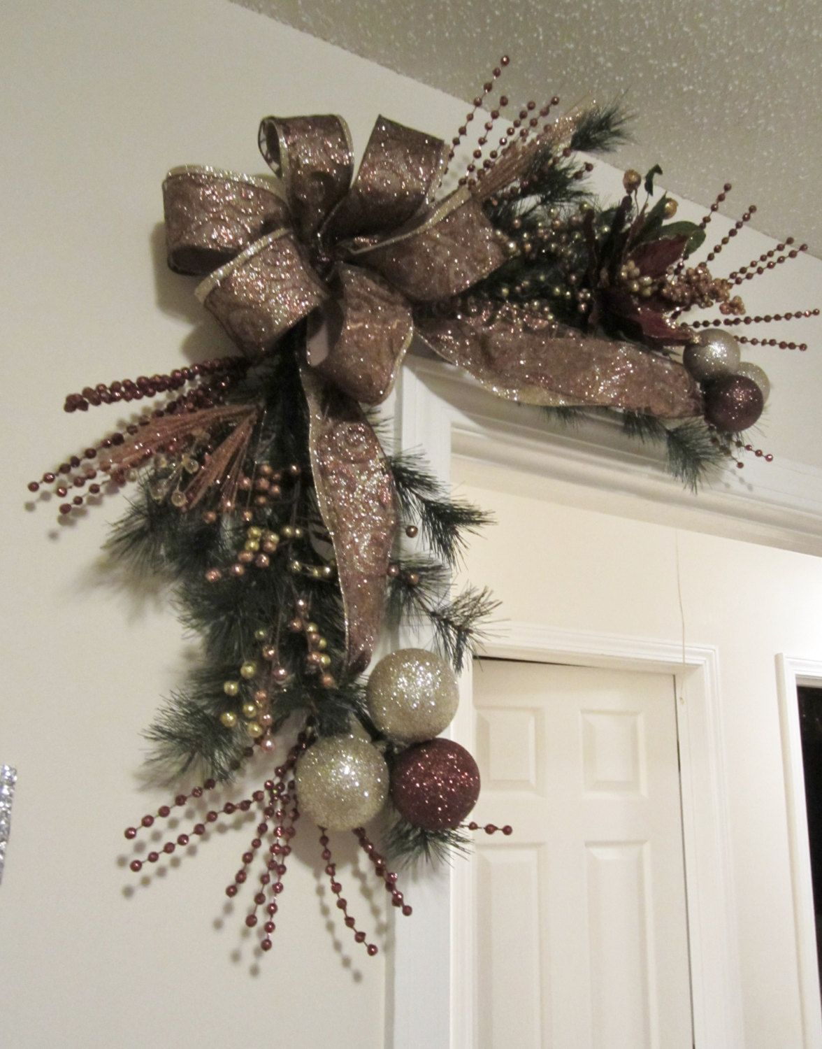 christmas corner door wreath by giftsbywhatabeautifu on etsy - Christmas Swag Decorations