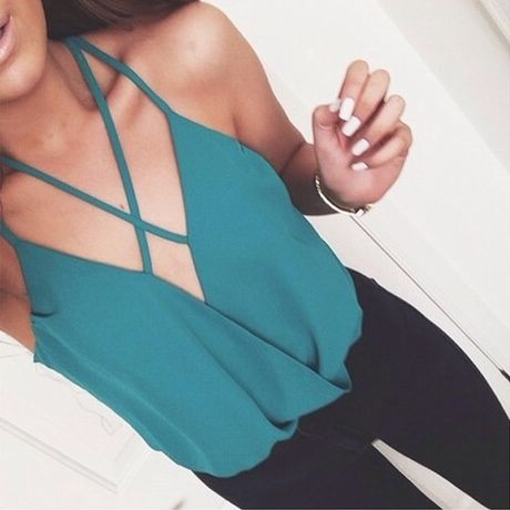 Sometimes I wish I had smaller boobs so that I could wear shirts like this, but then I'm like nahh, they're small enough already:/