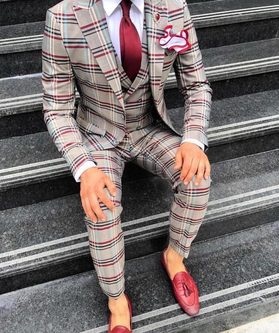 Best Suit Colors For Men Updated 2020 Couture Crib Fashion Suits For Men Mens Fashion Suits Stylish Mens Outfits