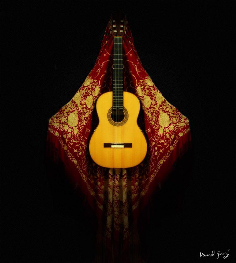 Manton De Manila Y Guitarra Flamenca Imágenes De Musica Guitarras Flamenco