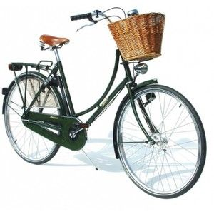 Lovely. / green town bike!