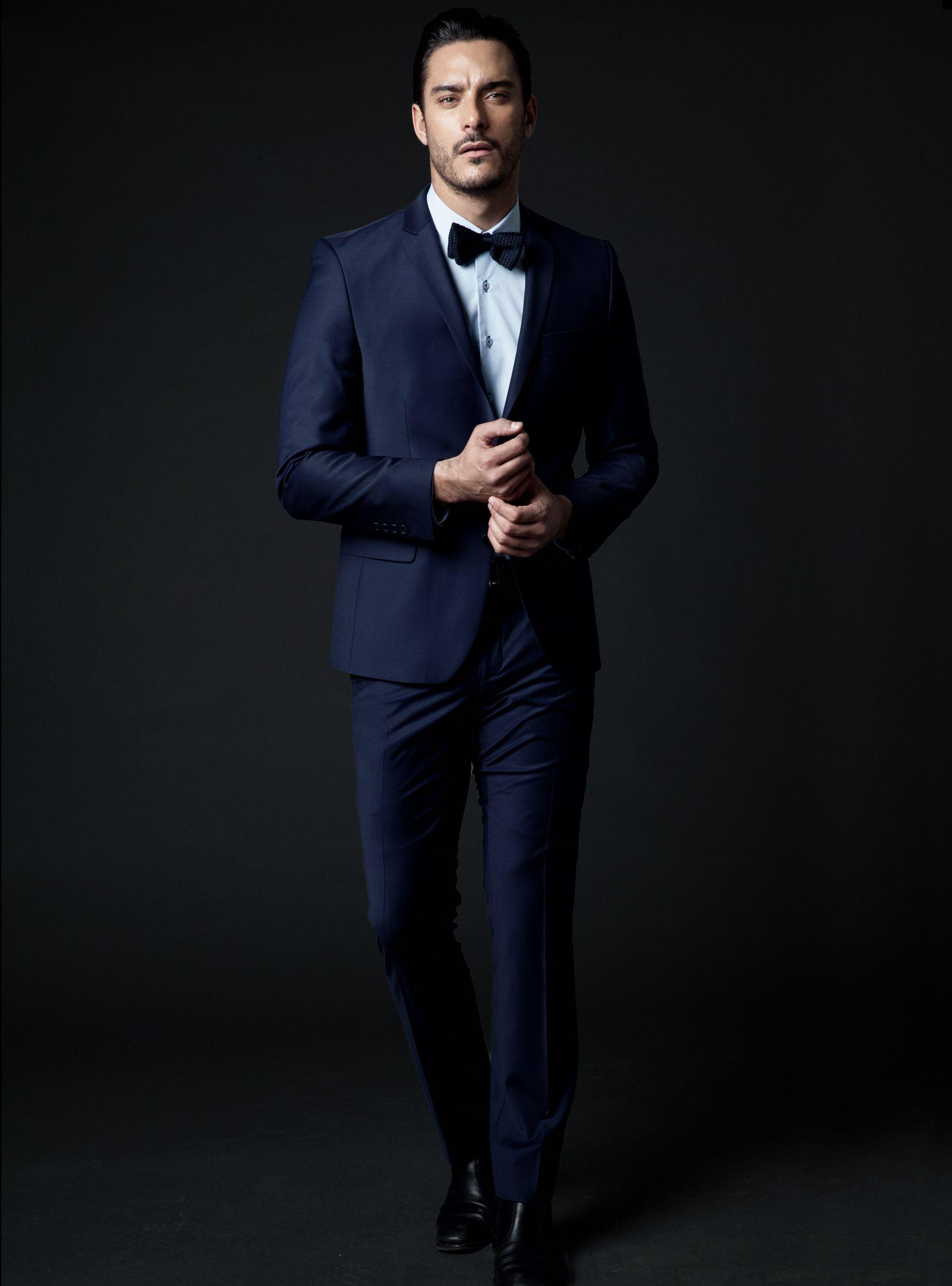Costume de mariage bleu et noeud papillon noir by Vêtements Record.   wedding  suit 1aad90dc71c