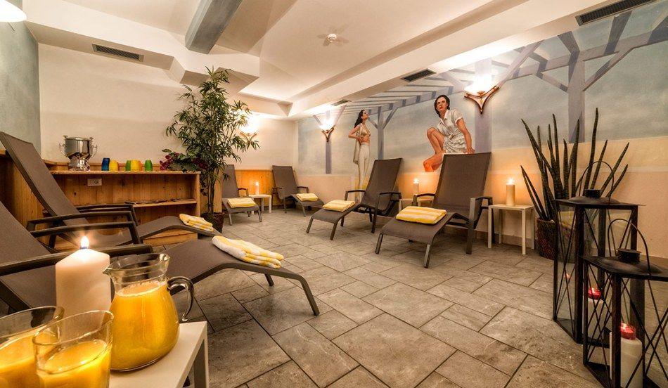 http://dld.bz/eEnB5 Hotel Mirabel ***s Fam. Erlacher Pelegrinstraße –  I-39030 St. Vigil in Enneberg +39 0474 501280