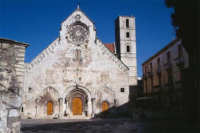 La Cattedrale di Ruvo di Puglia | HiPuglia  http://www.hipuglia.com/2013/02/la-cattedrale-di-ruvo-di-puglia.html