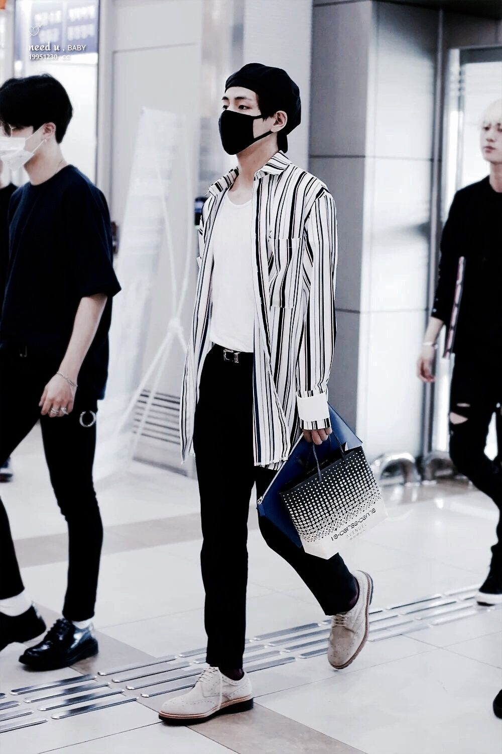 BTS || TAE Airport Fashion | ?? ????? ?? in 2019