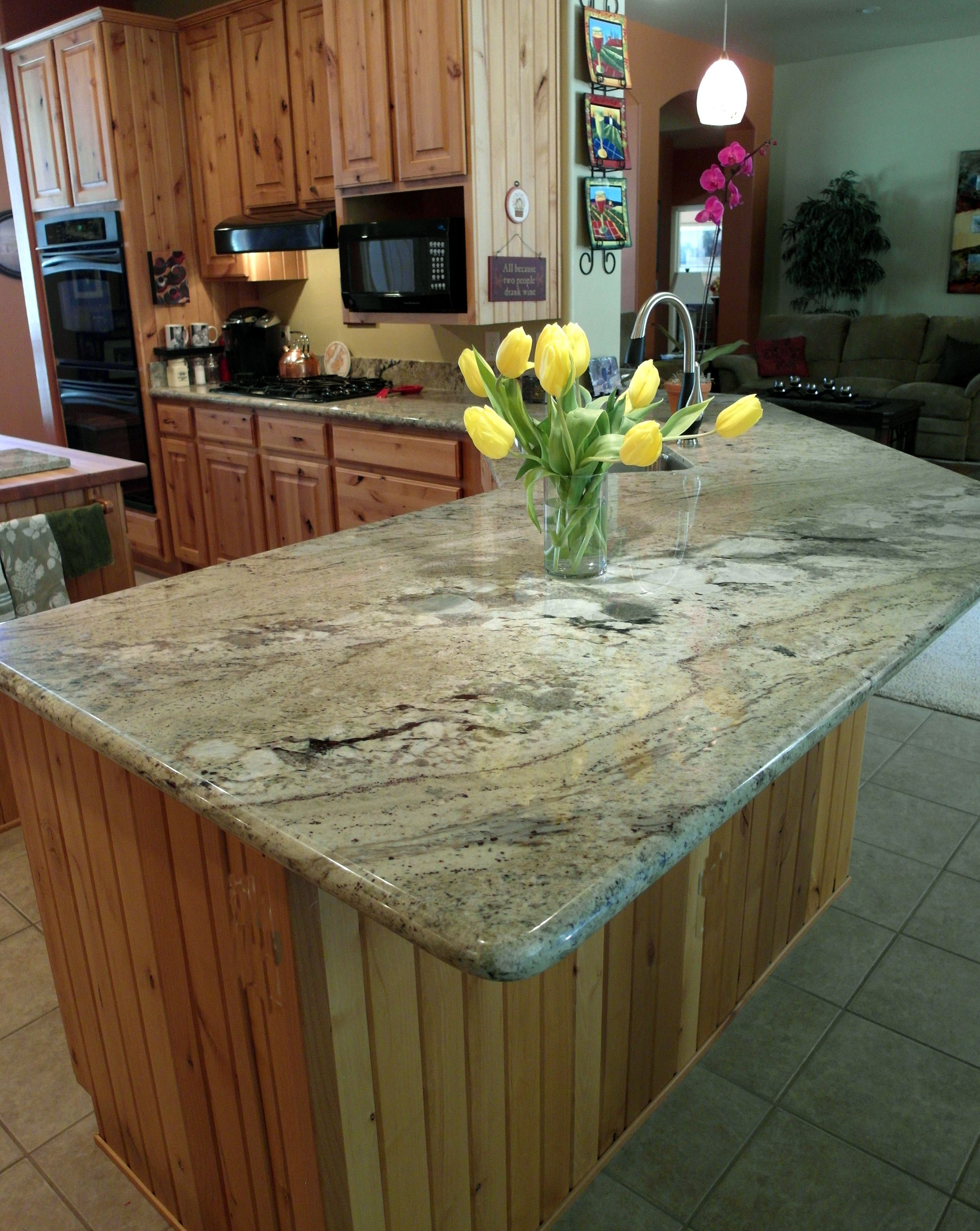 Mesquite Granite In Stock Slabs Metalcountertops Kitchen Cabinets And Countertops Tuscan Kitchen Kitchen Countertops