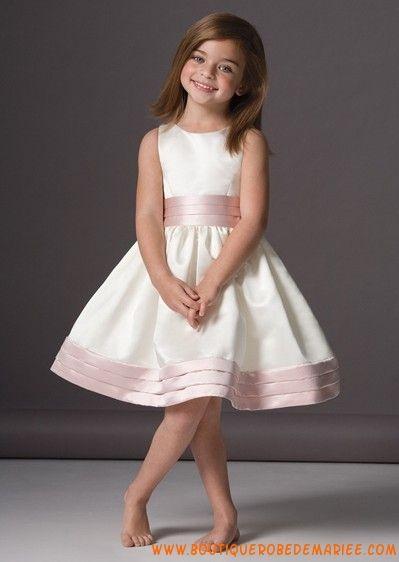 Robe rose pour jeune fille