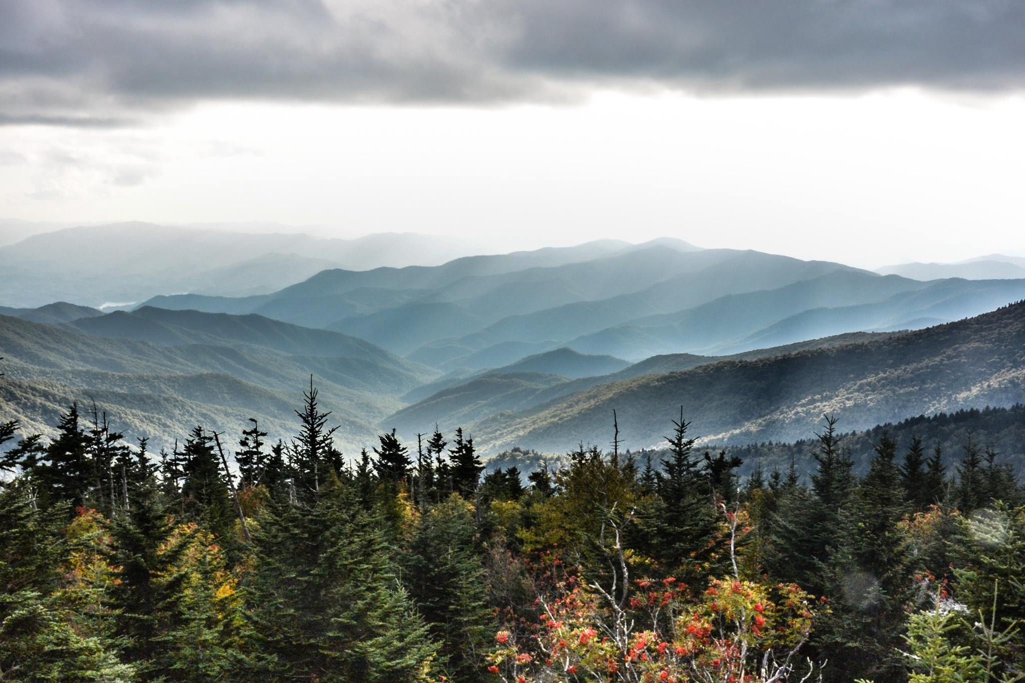 Great Smoky Mountains From Clingmans Dome 2048 X 1365 Oc Great Smoky Mountains Smoky Mountains Clingmans Dome