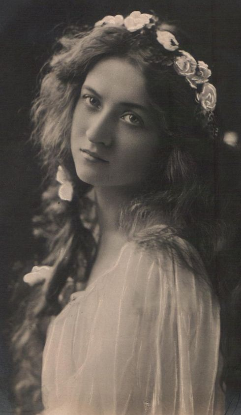 The Amazing Beauty Maude Fealey Actress Her Mother Margaret Fealy
