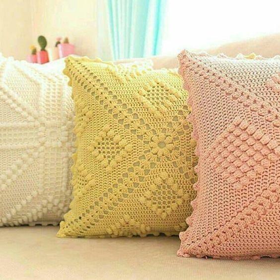 Aprende Hacer Cojines Tejidos Con Su Patron Paso A Paso Muy Faciles Curso Gratis De Croch Crochet Cushions Crochet Cushion Pattern Crochet Pillow Patterns Free