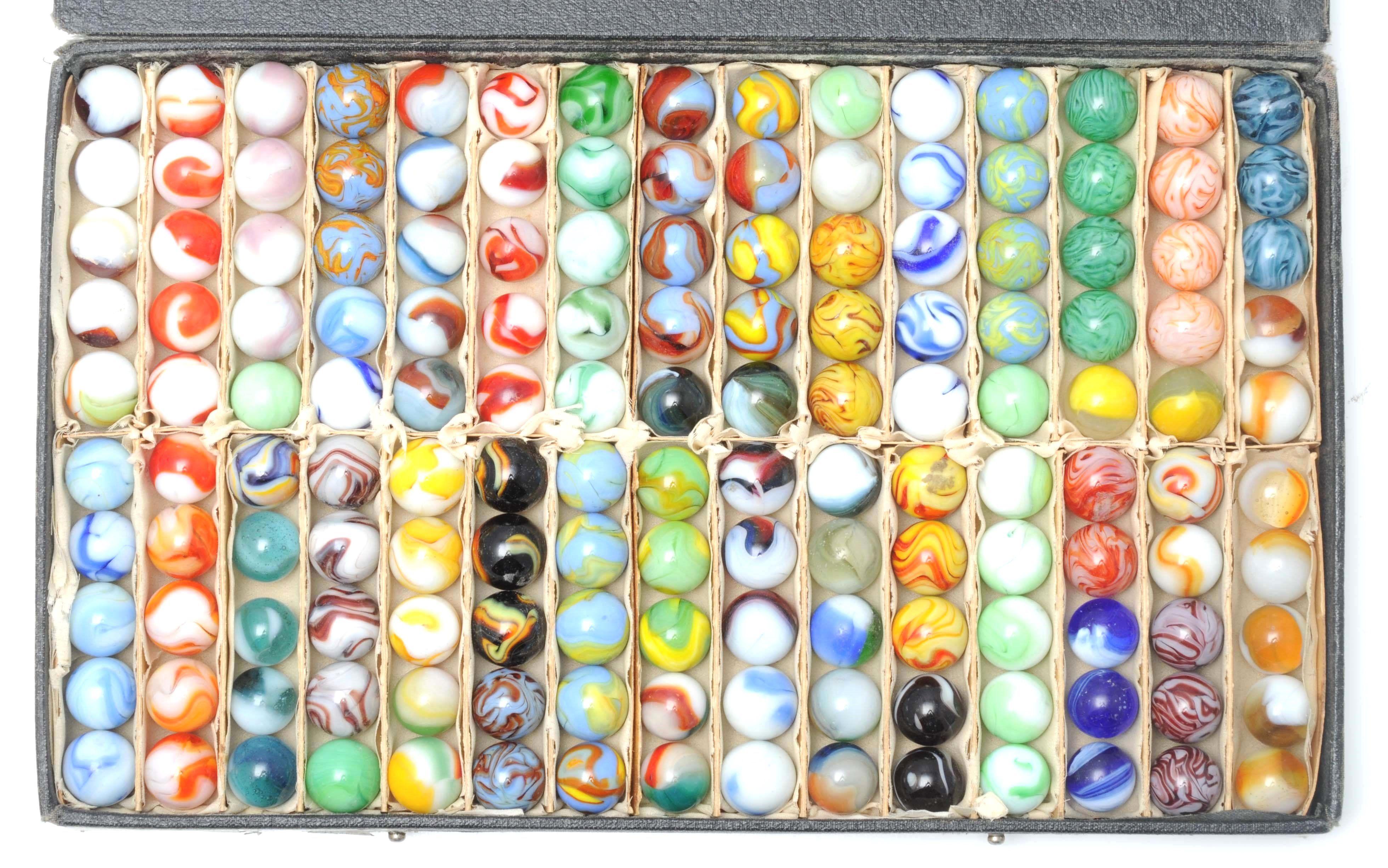 April 19 20 Auction Rare Alley Agate Salesman S Sample Marble Case Salesman S Sample Case Has 30 Separate Compartments Containin Marble Marble Case Auction