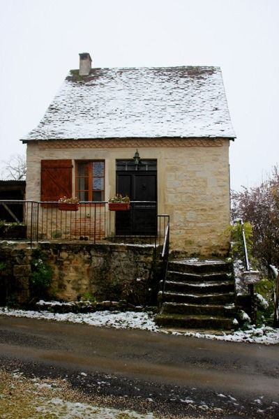Family S 17th Century Tiny Stone Cottage In France Stone Cottage Tiny House Exterior Small House Swoon