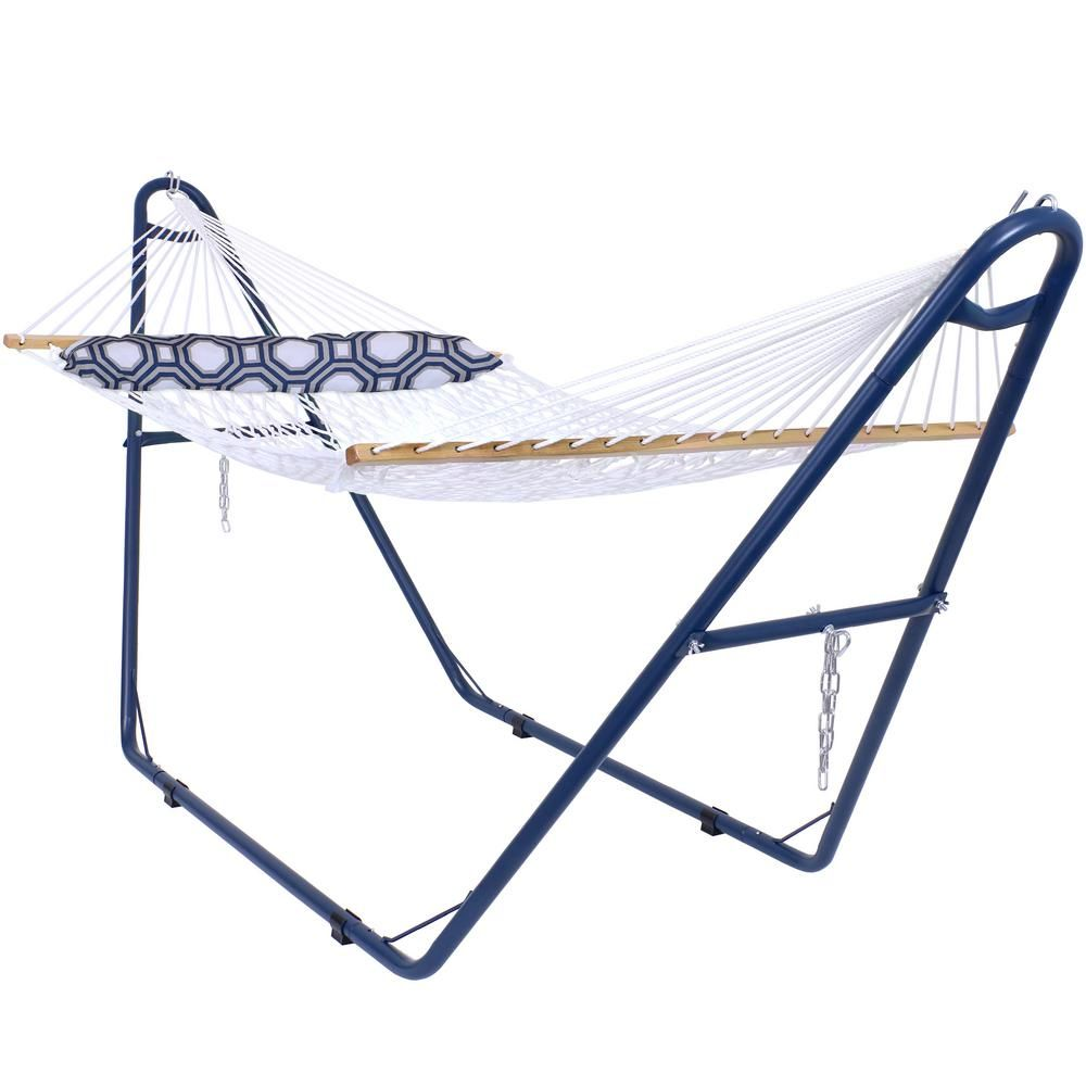 Sunnydaze Decor 11 Ft L White 2 Person Spreader Bar Rope Hammock With Pillow And Blue Stand Ly Bpdrh Combo In 2020 Rope Hammock Hammock Blue