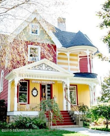 Pin By Rebecca Temari On Victorian Houses And Old Homes Historic Homes Unique Houses Victorian Homes