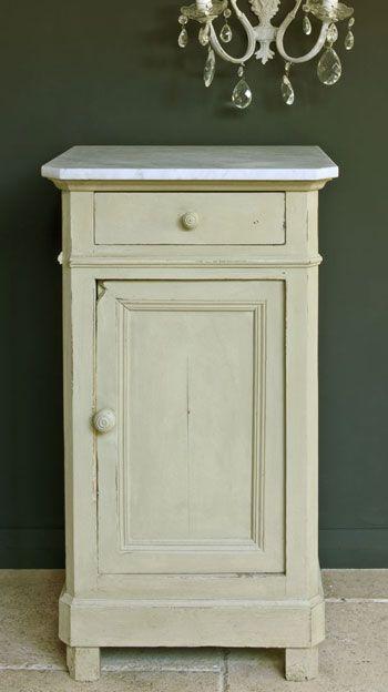 "Chalk Paint® decorative paint by Annie Sloan in ""Versailles"""