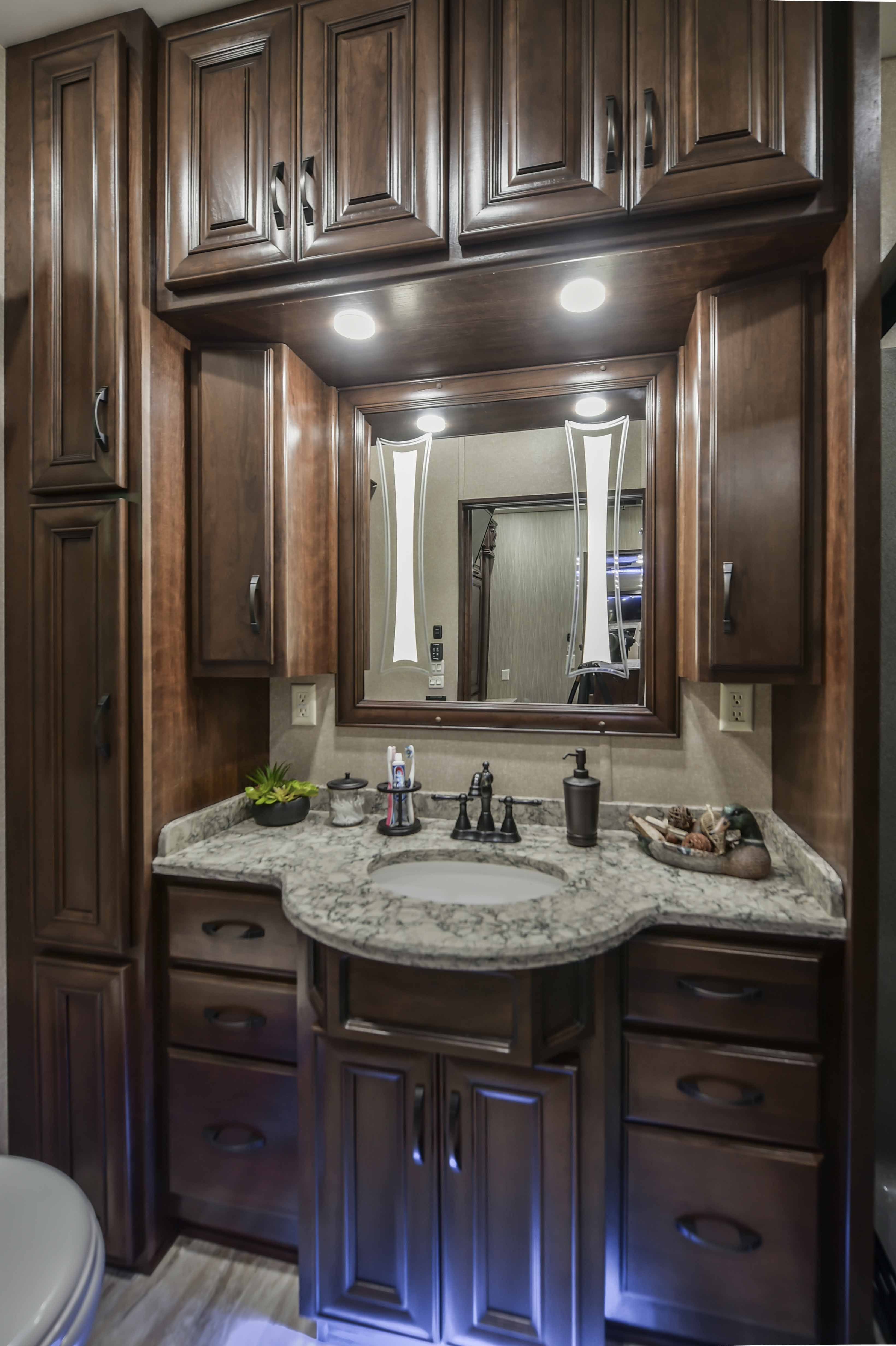 2018 DRV Elite Suites 44 Nashville Bathroom Vanity #DRVSuites #nashville # Bathrooms #bathroomdesign #fulltimerv #fulltimerving