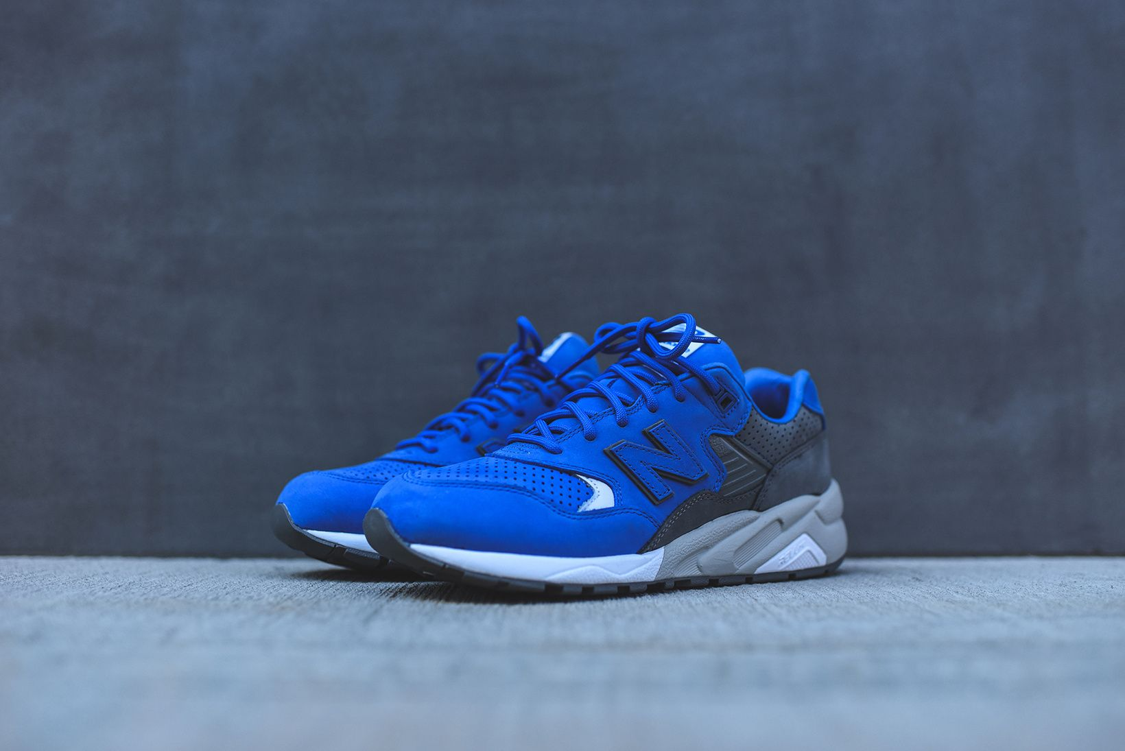 reputable site 93348 581cd A Closer Look at the colette x New Balance 2016 Spring Summer MRT580 Pack