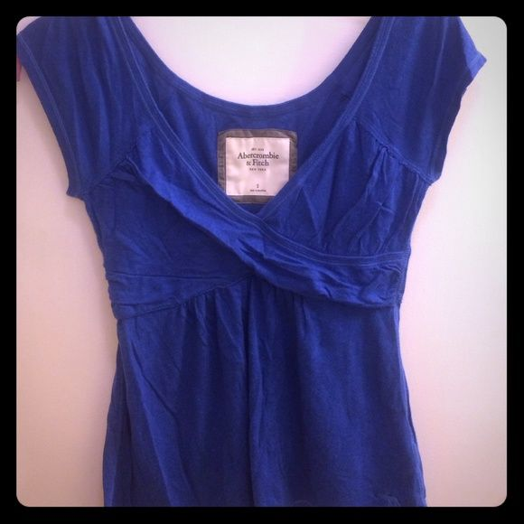 Blue Abercrombie top Pretty blue Abercrombie and Fitch top. Only worn once. Excellent condition! Abercrombie & Fitch Tops
