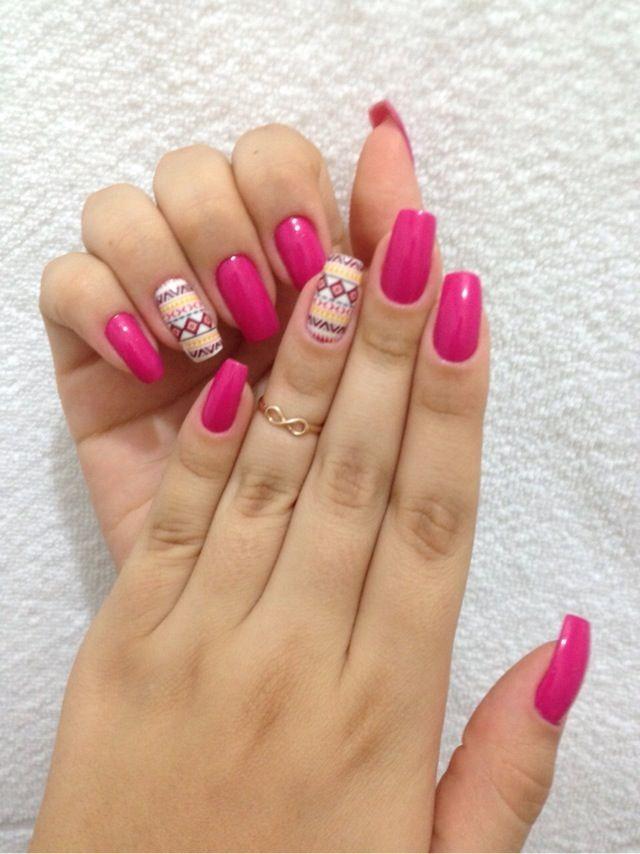 Rosa lindoooo! Esse é o Fuschia Fever, da Revlon, mais os adesivos lindos da Magic Adesivos. #nails #unhas #rosa #pink #filhaunica #unhasdecoradas #adesivos #inlove #love #amor #esmaltando #dasemana