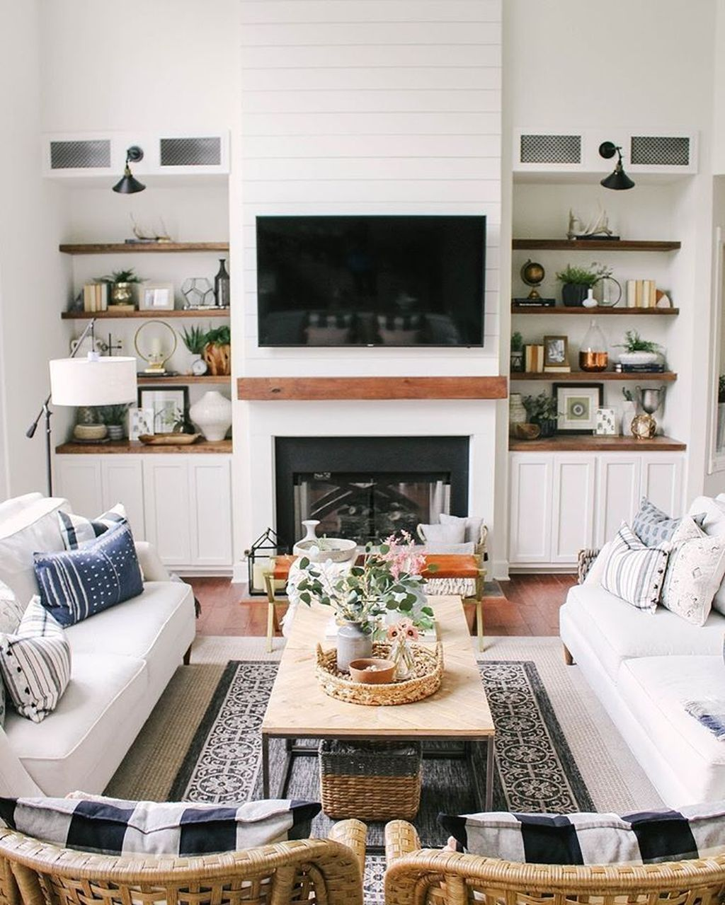 32 Popular Modern Farmhouse Fireplace Ideas Trend 2020 Home