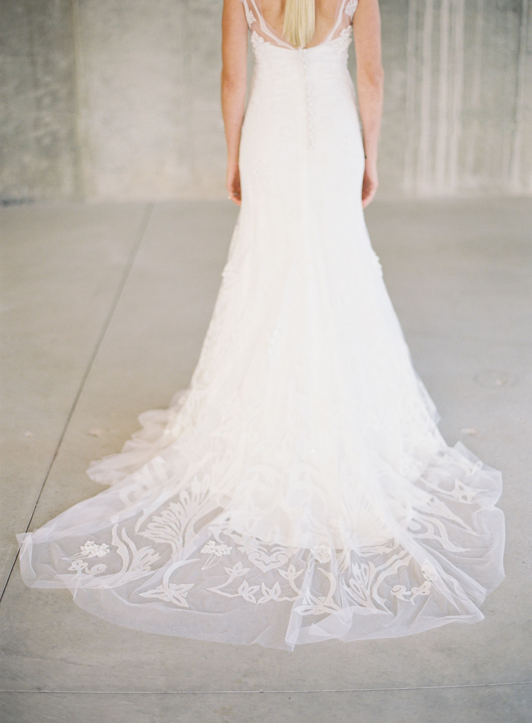 10 gorgeous gowns from the anna bé style book | Lela rose wedding ...