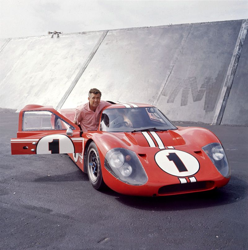 Carrol Shelby Poses With The Ford Gt 40 Mk Iv That Would Go On To Win The 1967 Le Mans With Gurney And Foyt Driving This Ph Ford Motorsport Ford Gt40 Ford Gt
