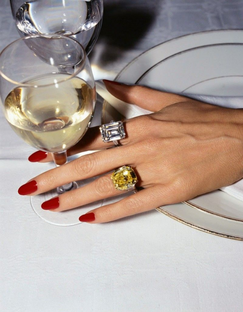 The Eternal Allure of Red Nails