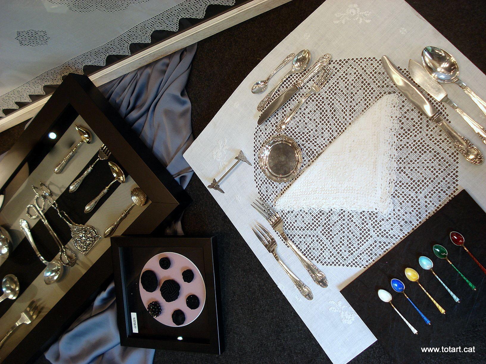 Marcos para cubiertos, manteles, botones, cucharas..te damos ideas ...