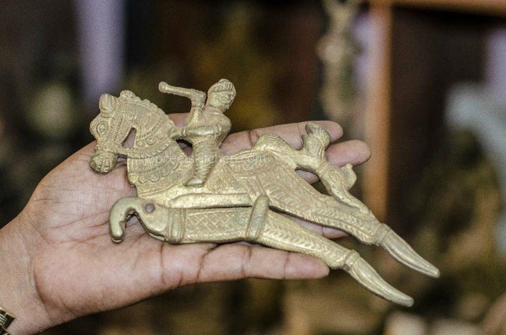 Indische Kuche Kochgeschirr Essentielle Indische Utensilien Jopreetskitchen Indische Kuche Kochgeschirr Essentiell In 2020 Indische Kuche Kochgeschirr Indisch