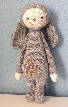 Kit amigurumi Coelho Nila - Kits de croché - DMC | 370x236