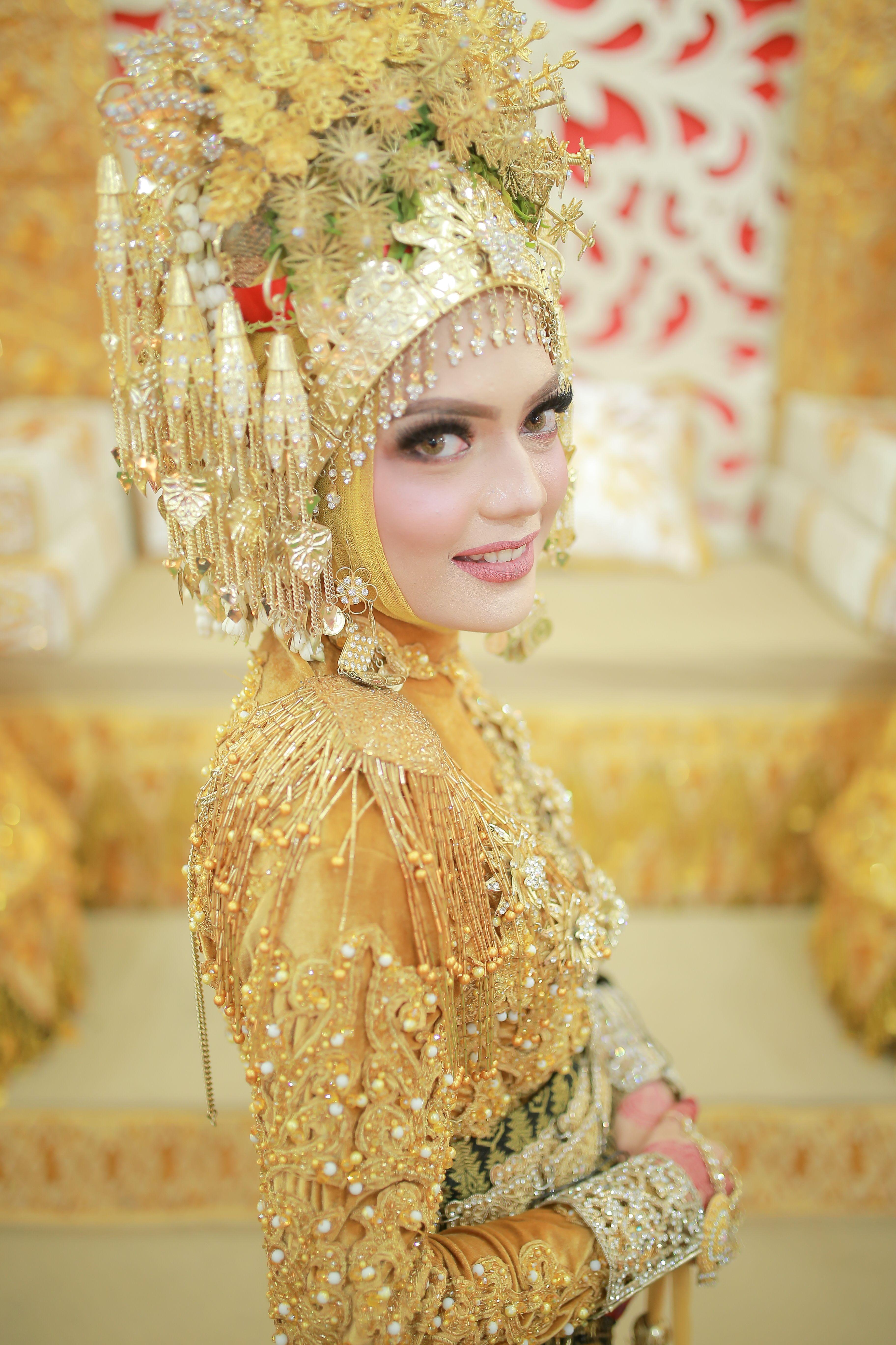 Pakaian Pengantin Adat Aceh Modern