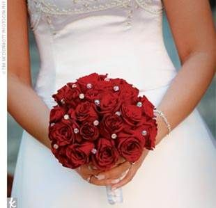red rose bouquet with white pearls