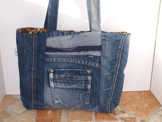 sac main jean recycl cr ation patchwork originale mod le unique r ves de sacs en jean. Black Bedroom Furniture Sets. Home Design Ideas