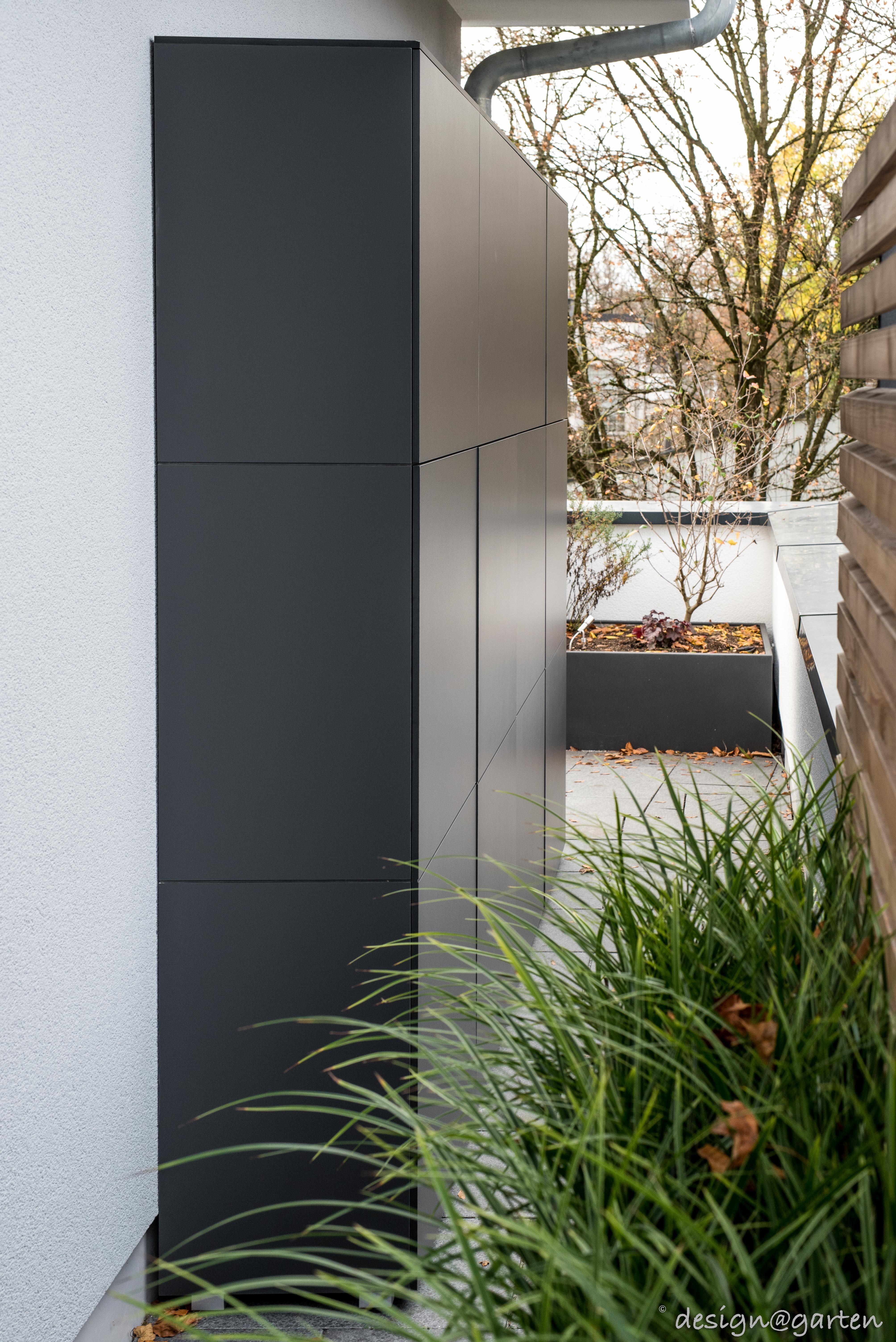 Edler Schrank Fur Terrasse Und Balkon Fur Dieaufbewahrung Von Kissen Gartengeraten Und Vielem Mehr Functional In 2020 Garden Storage Stair Lighting Patio Cabinet