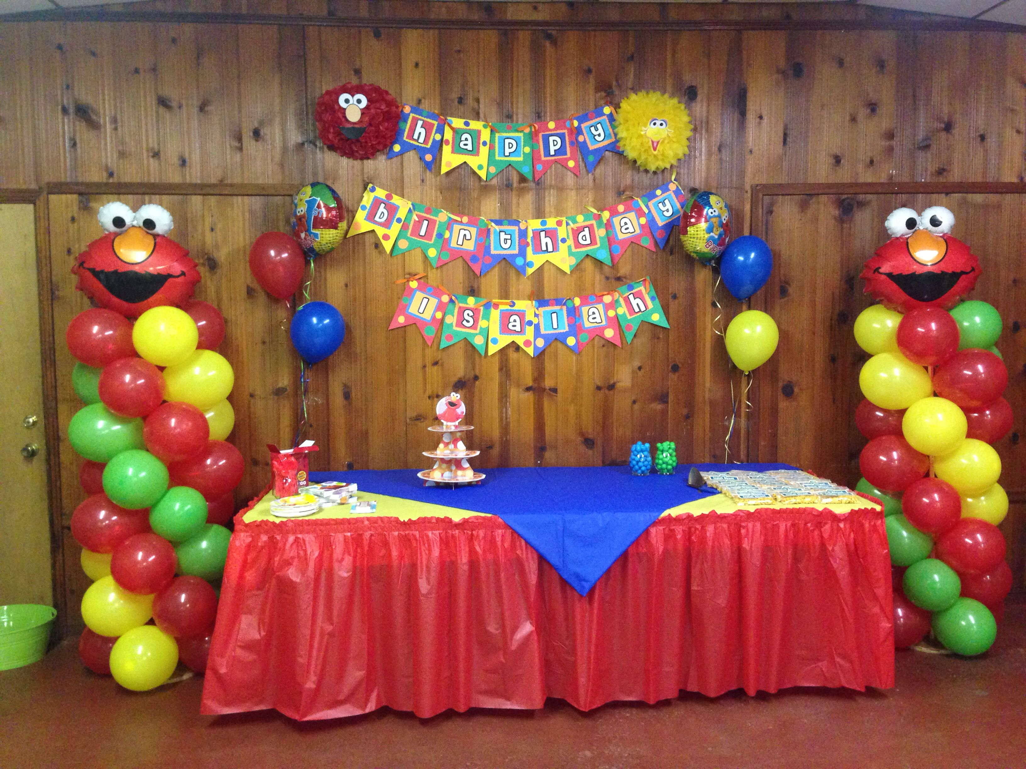 Elmo 1st birthday party ideas birthday party sesamestreet - Sesame Street Balloon Columns Elmo Birthdaymickey Mouse Birthdaybirthday Party Ideasballoon