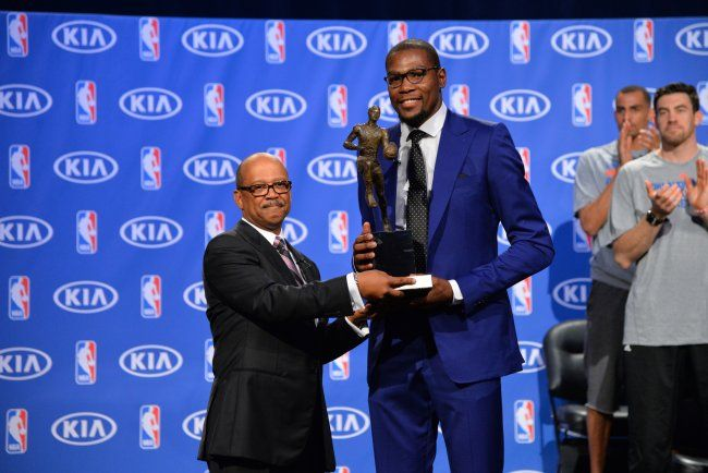 52b075fe184 Kevin Durant Gives Thanks in Emotional NBA MVP Acceptance Speech ...