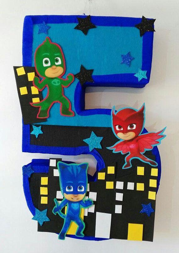 Pi ata de pj mask numero 5 por aldimyshop en etsy for Decoracion de pinatas infantiles