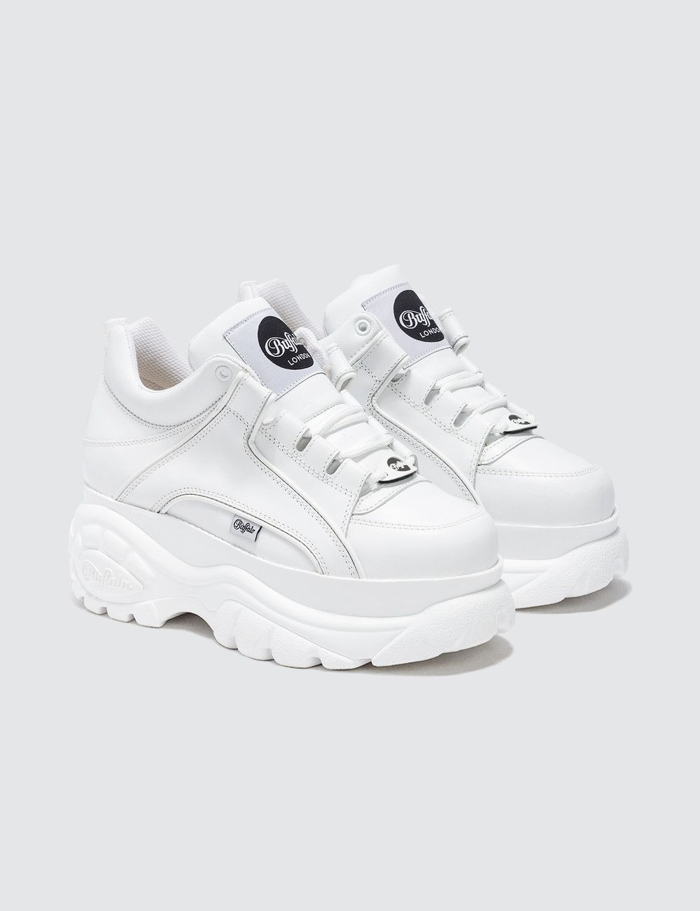 4a5e9dfcfe5 Buffalo Classic White Low-top Platform Sneakers in 2019 | Stuff ...